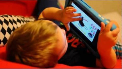 kid-playing-on-nabi-2-tablet