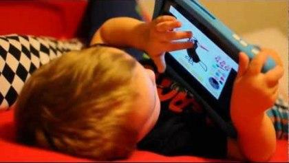 kid-playing-on-nabi-2-tablet